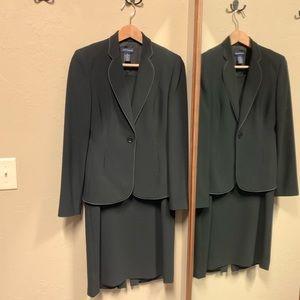 Ann Taylor suit black dress blazer size 2 EUC